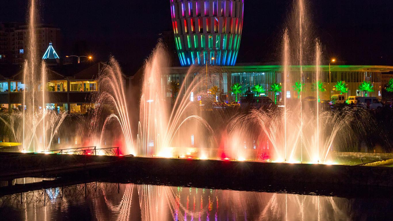 В Батуми есть поющие и танцующие фонтаны, что тоже произведет на вас впечатление.